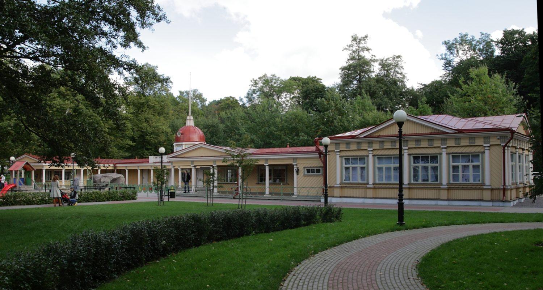 Kadrioru Lastepargi paviljon, nüüdne lastemuuseum Miiamilla