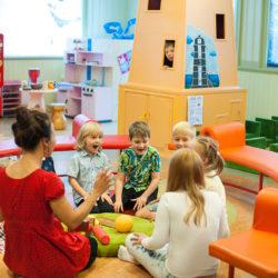 Ettevalmistused avatud mänguväljadeks lastemuuseumis_foto yulia Bogacheva 2018 (2)