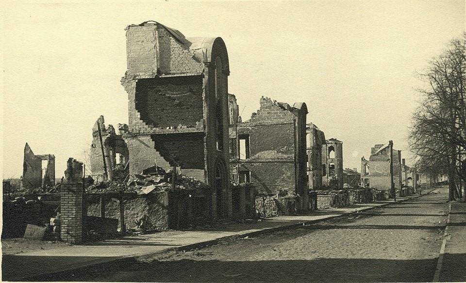Tallinn pärast märtsipommitamist