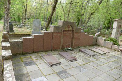 23. oktoobril <b>kultuurilooline jalutuskäik Rahumäe kalmistul</b>